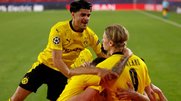 Borussia Dortmund: BVB-Spieler jubeln in der Champions League gegen den FC Sevilla