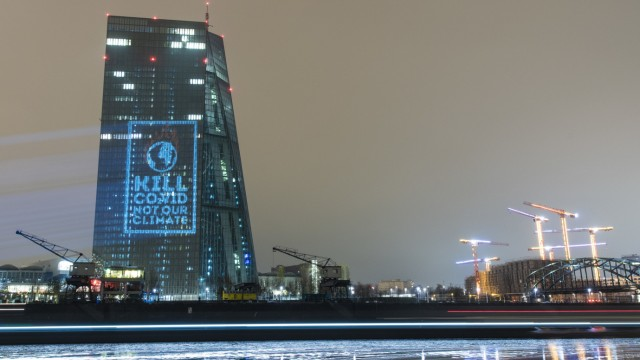 Protestaktion gegen Klimapolitik der EZB