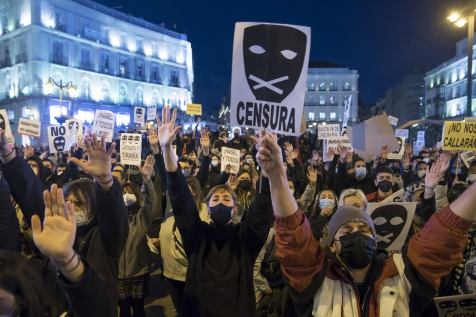 Clashes between Police and rioters in Sol against the entry into prison of Hasel The rally called by the Madrid Anti-Re