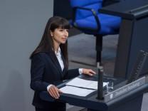 Berlin, Plenarsitzung im Bundestag Deutschland, Berlin - 10.09.2020: Im Bild ist Bela Bach (spd) während der Sitzung des