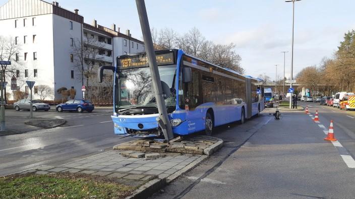2021; Busunfall München Laterne
