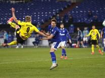 Schalke gegen Dortmund: Der verzweifelt erhoffte Derbyeffekt bleibt aus
