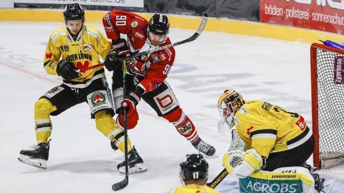 Eishockey, DEL2, 34.Spieltag - 20/21 - EHC Freiburg vs. Toelzer Loewen - 21. Februar 2021 Andreas Schwarz (Toelzer Loew; Eishockey