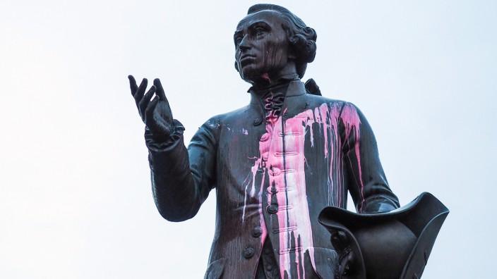 Gedenkorte für Immanuel Kant in Kaliningrad verschandelt