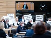 AfD in Landtagen: Provokationen, Zwischenrufe, Beleidigungen