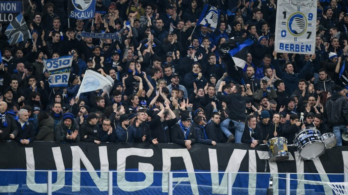 Supporters of Atalanta during the UEFA Champions League Round of 16 match between Atalanta and Valen; Atalanta Bergamo