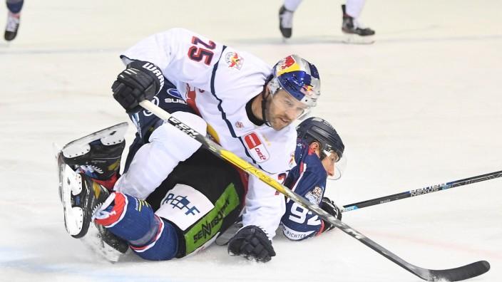 Eishockey, Herren, DEL, Saison 2020-2021, Straubing Tigers - EHC Red Bull München, 22.02.2021 Andrew Ebbett (Nr.25 - EHC