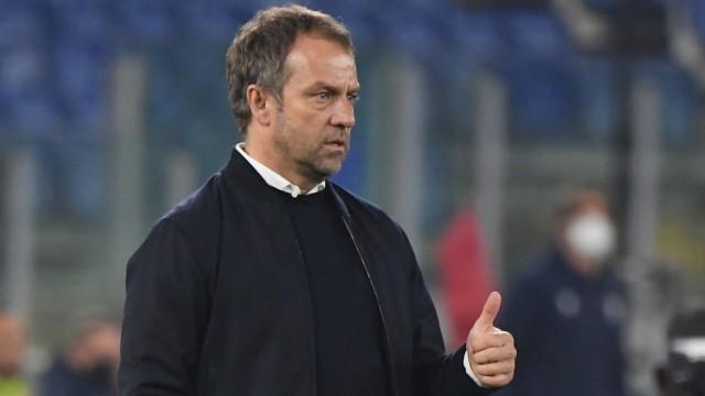 FC Bayern München: Trainer Hansi Flick beim Champions-League-Spiel gegen Lazio Rom
