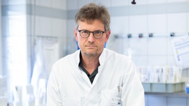 Hans Bösmüller - Pathologe in der Uniklinik Tübingen