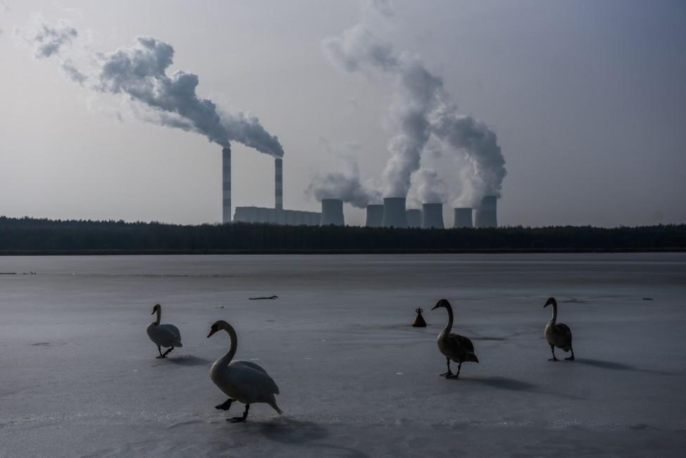 *** BESTPIX *** Poland's Coal Mining Problem