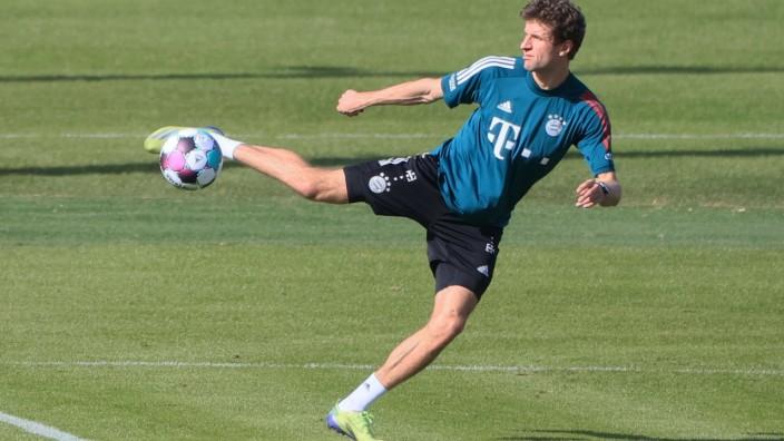25.02.2021, FC Bayern Training, Saebenerstrasse Muenchen, im Bild: Thomas Mueller (FCB) *** 25 02 2021, FC Bayern Train