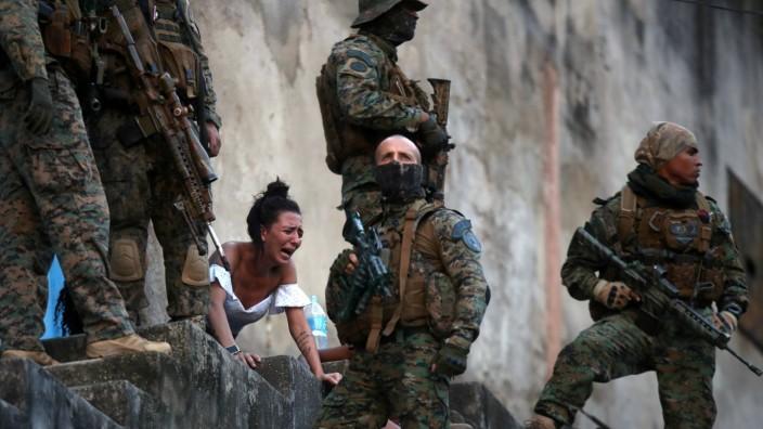 Confrontations between drug gangs in Rio de Janeiro