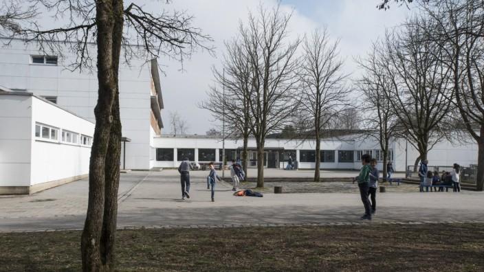 Taufkirchen; Pappelstraße, Mittelschule