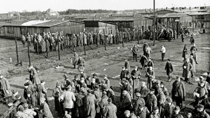 Stukenbrock Kriegsgefangenenlager Befreite Gefangene von Stalag 326 ein Kriegsgefangenenlager mit