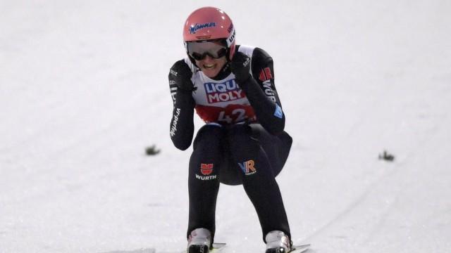 27.02.2021, Nordische SKI WM Oberstdorf 2021, Oberstdorf im Allgäu, Skispringen der Herren, Karl Geiger (GER) jubelt. *