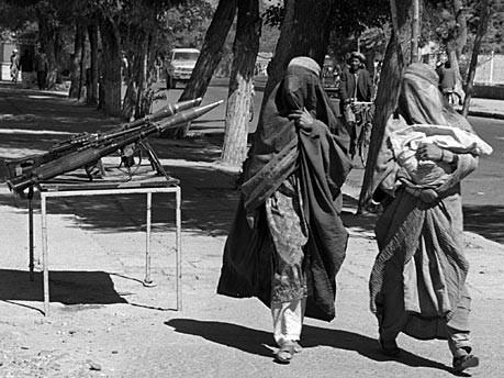 Zwei Frauen in Burkas, AP