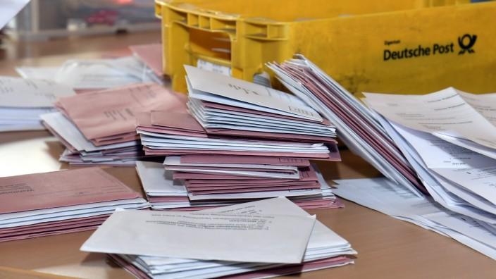 Auszählung der Stichwahl bei der Kommunalwahl in Erding, 2020