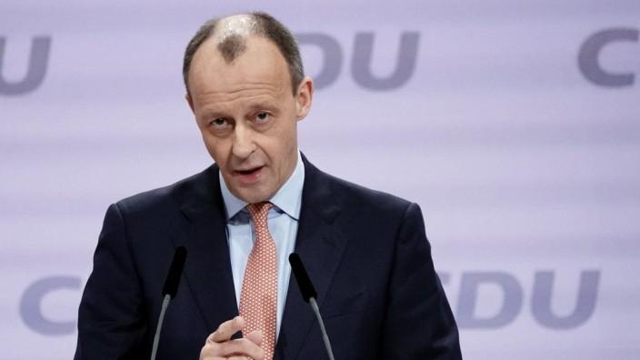 Merz will sich bald zu möglicher Bundestagskandidatur äußern