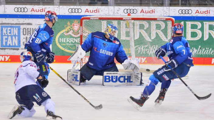 Eishockey, Herren, DEL, Saison 2020-2021, ERC Ingolstadt - EHC Red Bull München, 02.03.2021 Patrick Hager (Nr.52 - EHC