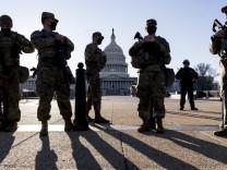 Nach Sturm auf das Kapitol: US-Repräsentantenhaus sagt aus Sorge vor neuem Angriff Sitzung ab
