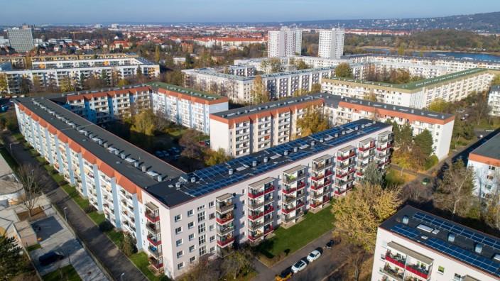 14.11.2020, Deutschland, Sachsen, Dresden, Blick auf das Neubaugebiet Leuben zwischen der Straße des 17. Juni und der P