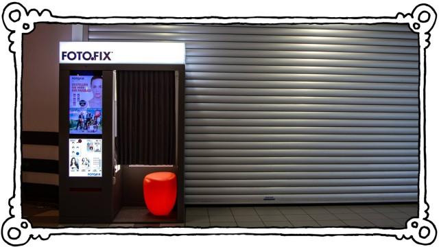Fotokabine für automatische Passbilder und andere Porträts Fotofix Fotoautomat *** Photo booth for a