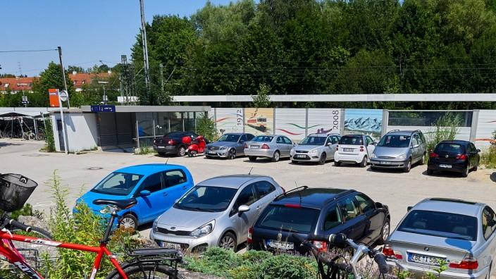 Zorneding Bahnhofsvorplatz