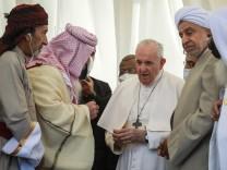 """Papst im Irak: """"Extremismus ist Verrat an der Religion"""""""