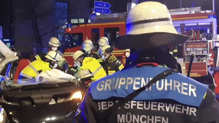 Verkehrsunfall mit mehreren Verletzten in München
