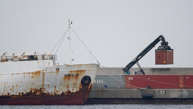 Livestock ship 'Karim Allah' carrying Spanish cattle stranded on ship with suspected bluetongue in Cartagena