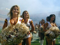 Cheerleader der Washington Redskins - PUBLICATIONxINxGERxSUIxAUTxHUNxONLY (wap20051002502)
