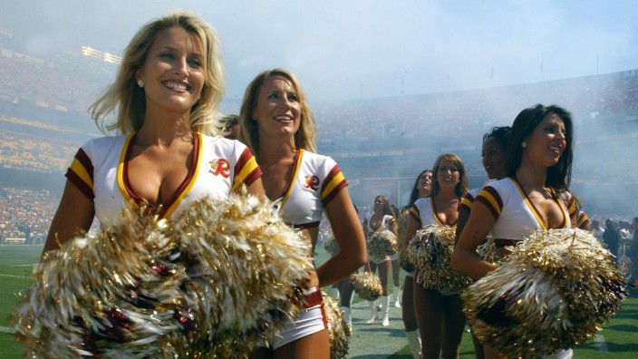 Cheerleader der Washington Redskins - PUBLICATIONxINxGERxSUIxAUTxHUNxONLY (wap20051002502)