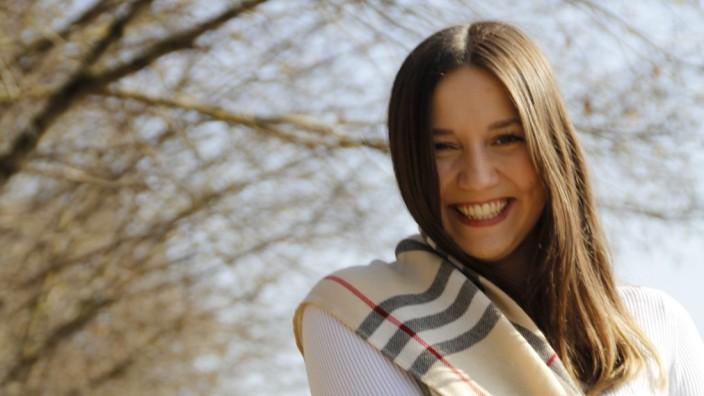 Frauentag: Alexandra Stenger, Studentin, musste in der Schule trotz guter Noten einen Seminarplatz abgeben - weil man die Jungenquote steigern wollte. Gleichberechtigung heißt für sie, dass alle die gleiche Chance haben.