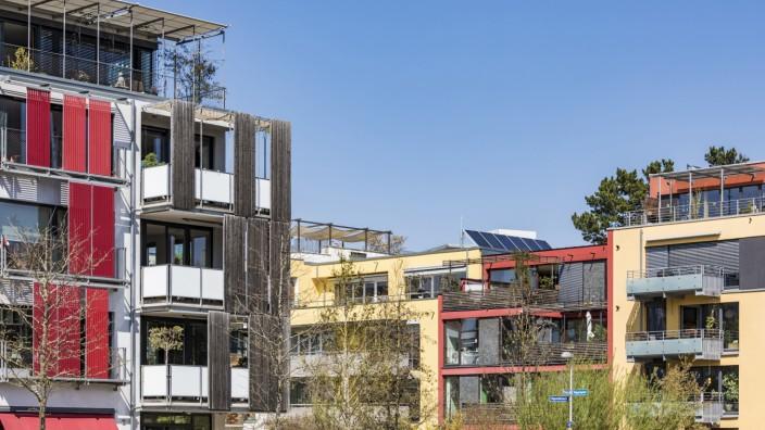 Germany, Tuebingen, Muehlenviertel, modern residential zero-energy houses