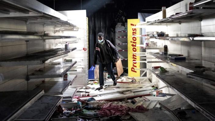Senegal: Ein geplünderter Supermarkt in Dakar.
