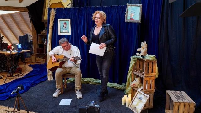 Jaqueline lernt singen