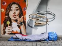 Köln, Nordrhein-Westfalen, Deutschland - Kölner Innenstadt in Zeiten der Coronakrise beim zweiten Lockdown, die Geschäft