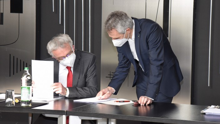 Greensill Bank: Puchheims Kämmerer Harald Heitmeir und Bürgermeister Norbert Seidl haben Geld angelegt