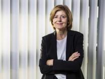 Malu Dreyer, SPD, Ministerpraesidentin von Rheinland-Pfalz und kommissarische SPD Vorsitzende, aufgenommen in ihrem Bue