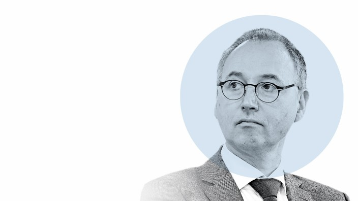 """Nahaufnahme: Werner Baumann: """"Ich bin ein weißer, deutscher Mann Ende 50, der sein gesamtes Berufsleben in der gleichen Firma verbracht hat."""""""