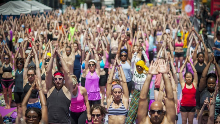 Yoga on Times Square, New York