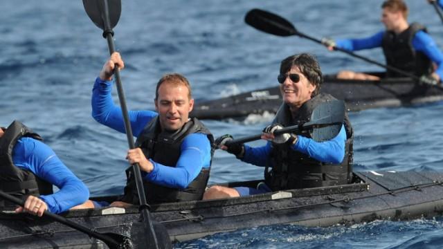 Nationalmannschaft paddelt auf Mittelmeer