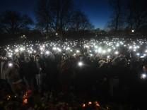 Großbritannien: Hunderte gedenken getöteter Frau in London