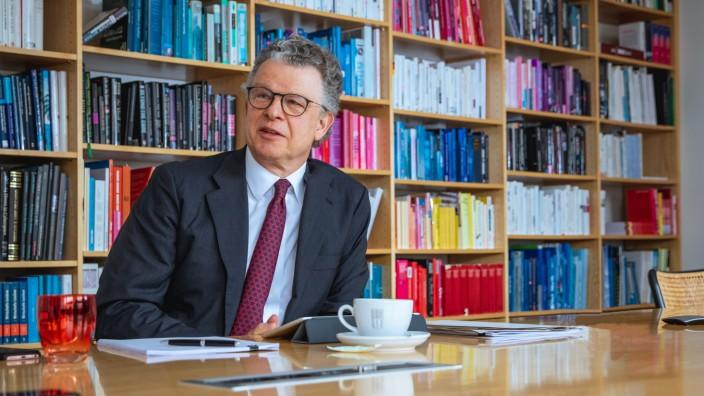 Burda-Chef im Gespräch: Paul-Bernhard Kallen ist seit 2010 Chef von Hubert Burda Media.