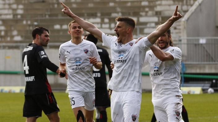 13.03.2021, xavx, Fussball 3.Liga, SV Wehen Wiesbaden - FC Ingolstadt 04 emspor, v.l. Stefan Kutschke (FC Ingolstadt 04