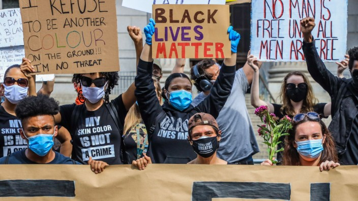 May 29, 2020, New York, New York, USA: Protesters repeated themselves during a Black Lives Matter protest 29 May 2020 in