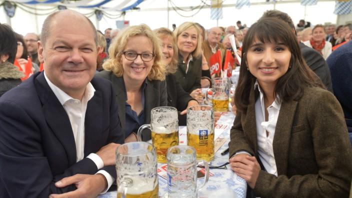 Olaf Scholz, Natascha Kohnen und Bela Bach in Keferloh, 2017