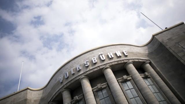 Volksbuehne Berlin DEU, Deutschland, Germany, Berlin, 25.08.2017 Schriftzug Volksbuehne am Theater Volksbuehne am Rosa-