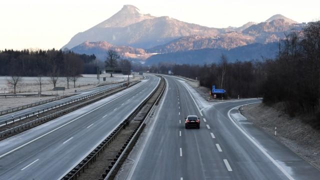 Coronavirus - Leere Autobahn
