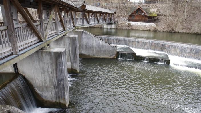 Etwas 57 000 Wehre und andere Bauwerke stehen in Bayerns Flüssen.